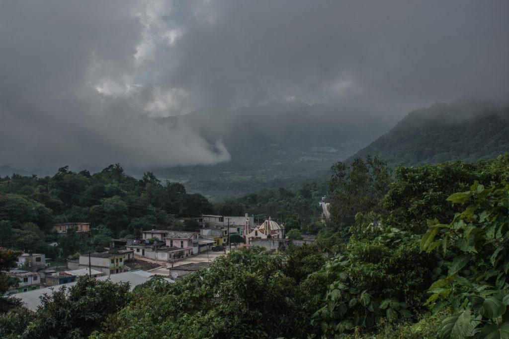Además de Veracruz, los estados de Oaxaca y Chiapas también ofrecen paisajes impresionantes para visitar y conocer más sobre el cultivo del café mexicano.