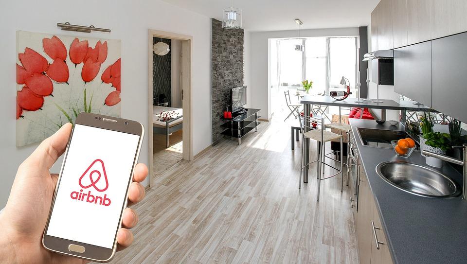 Airbnb cfo